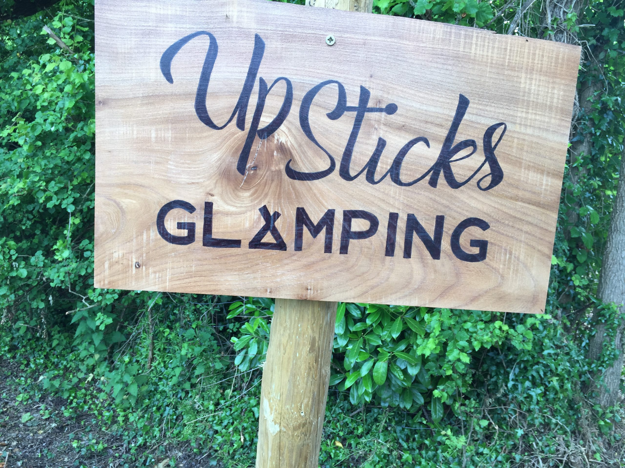 Upsticks sign